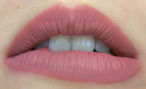 sleek-bs-lip1