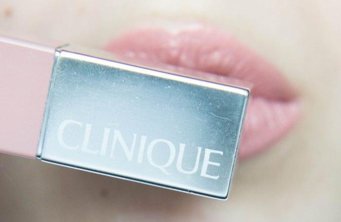 Прорыв в макияже для губ или неудавшийся эксперимент?